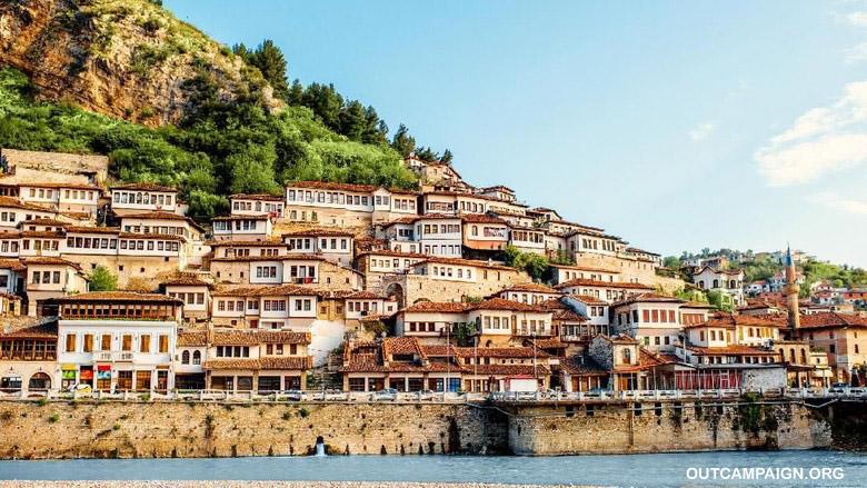 Perang Agama Asal usul Albania Jadi Negeri Ateis Pertama di Dunia